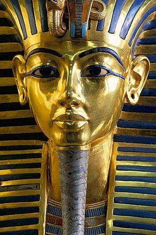 Gold mask of Tutankhamun, Egyptian Museum, Cairo, Egypt, North Africa, Africa