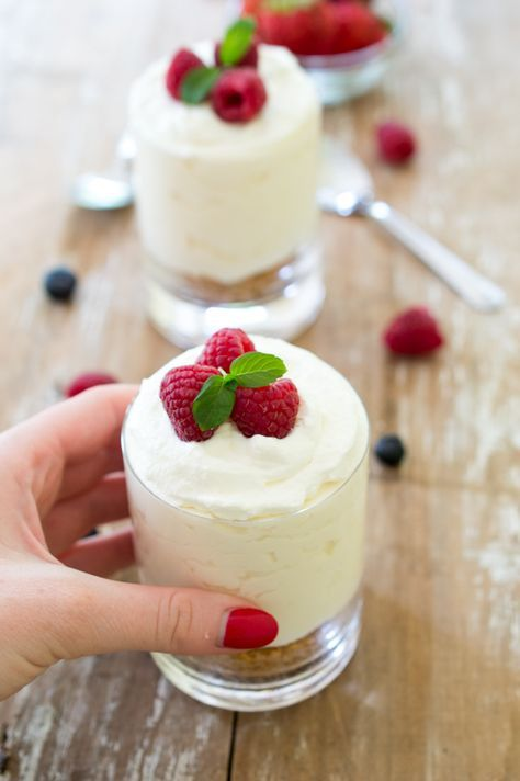 Individual No Bake Vanilla Cheesecake