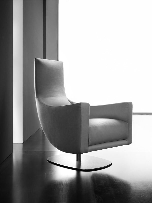 Upper armchair
