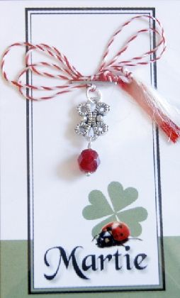 Martisor cu accesoriu placat cu argint antichizat si margica de sticla Cehia rosie - Cod M26, by BanaDesigns, 2 Lei