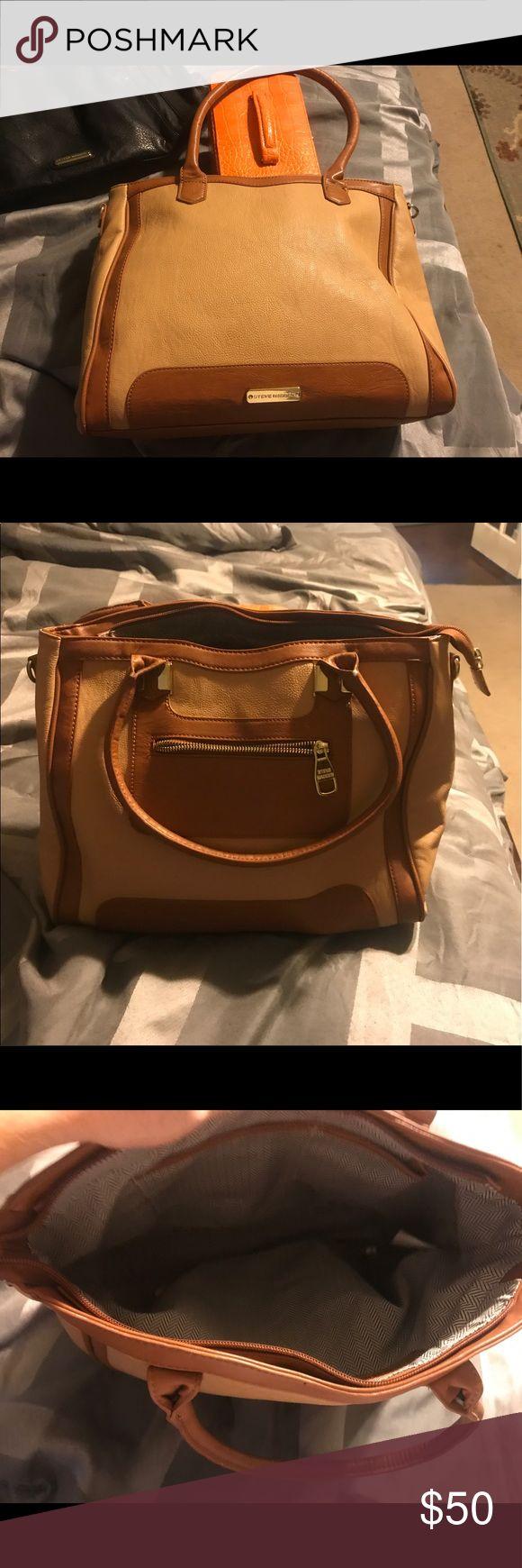 Steve madden purse Very gently used Steve madden purse Steve Madden Bags Shoulder Bags