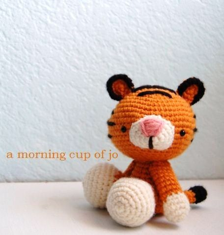 Amigurumi Tiger  http://amorningcupofjo.blogspot.com.es/2011/06/this-little-guy-was-fun-to-make-since.html