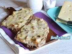 I crostoni ai funghi sono un piatto unico sfiziosissimo e goloso, sono semplici da preparare e molto molto filanti! Provate questa ricetta