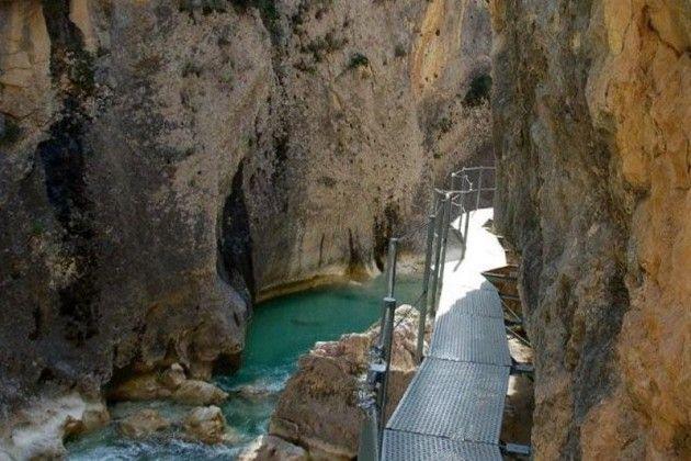 Ruta en familia por las pasarelas del río Vero en Huesca
