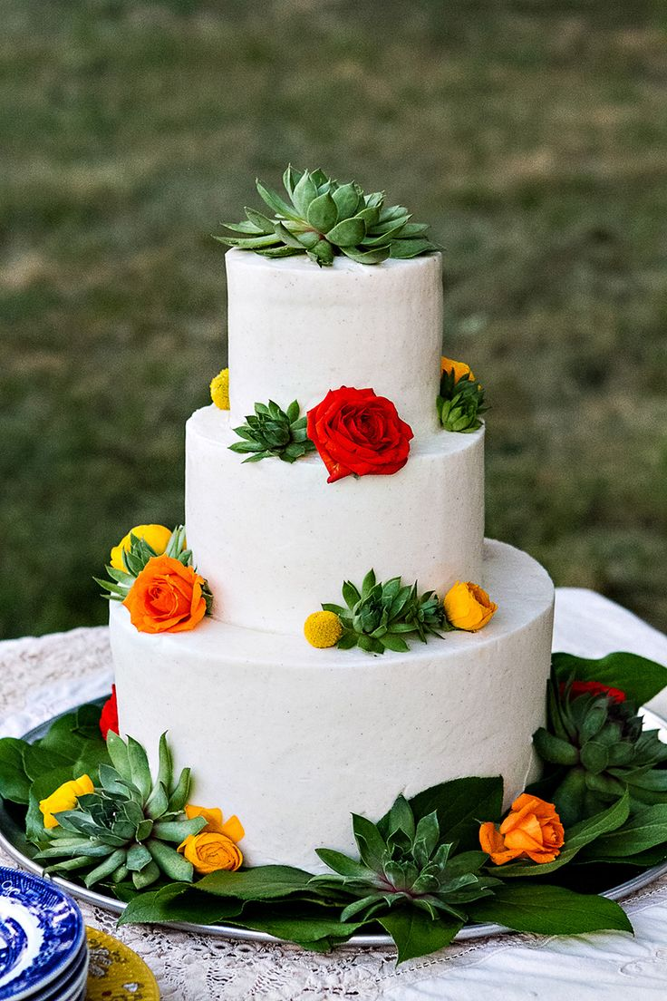 The most delicious vegan three-tiered cake.