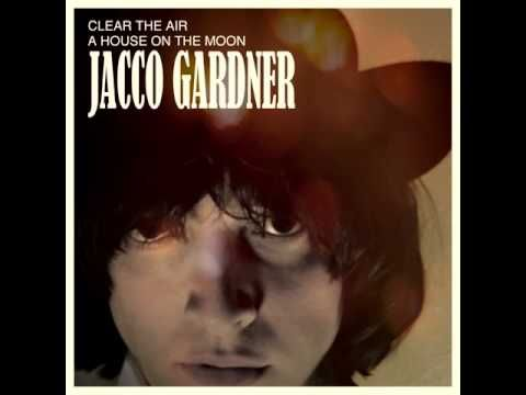 Jacco Gardner - A House On The Moon - YouTube