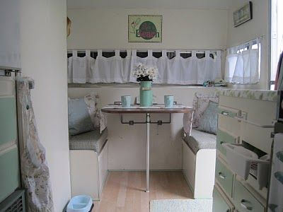 Sea green: Vintage Trailers, Cottages Style, Green Interiors, Sea Cottages, Campers Camps, Campers Ideas, Campers Trailers, Beaches Girls, Vintage Campers