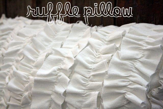 DIY ruffle pillow.