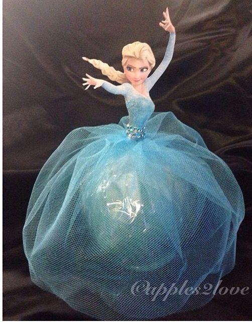 Princess Elsa... Frozen inspired candy apples! #apples2love #customcandyapples