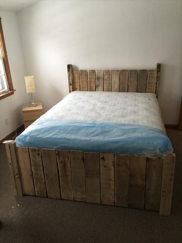 17 best images about beds on pinterest solid wood bed for Pallet platform bed with storage