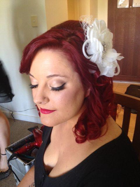 Vintage bridal hair and makeup look by Sparkling Belle