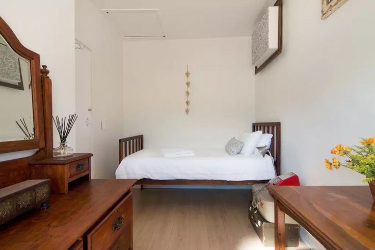 Urban Savvy Apartment in the Center of Cape Town with your own Private Room and Bathroom. Can't wait to host you and share stories & experiences.  #capetown #urbansavvy #travel #accomodation #ilovecapetown #airnbnb #airbnbinteriordesign #airbnbguest #welc (scheduled via http://www.tailwindapp.com?utm_source=pinterest&utm_medium=twpin&utm_content=post163772555&utm_campaign=scheduler_attribution)