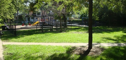 MATANKY PLAYLOT PARK is located in the Rogers Park neighborhood (on Ridge Avenue, two blocks north of Pratt Boulevard). Visitors will also find a small open green space that is ideal for a small picnic with their children. During the summer for 6-weeks, the park gets a visit from the Craftmobile once a week.    While there is no structured programming taking place at this location, we invite you to check out our great programs offered at nearby Paschen Park.
