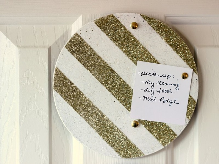 Budget craft idea: use cork trivets as memo boards - just decorate them with paint and Mod Podge.