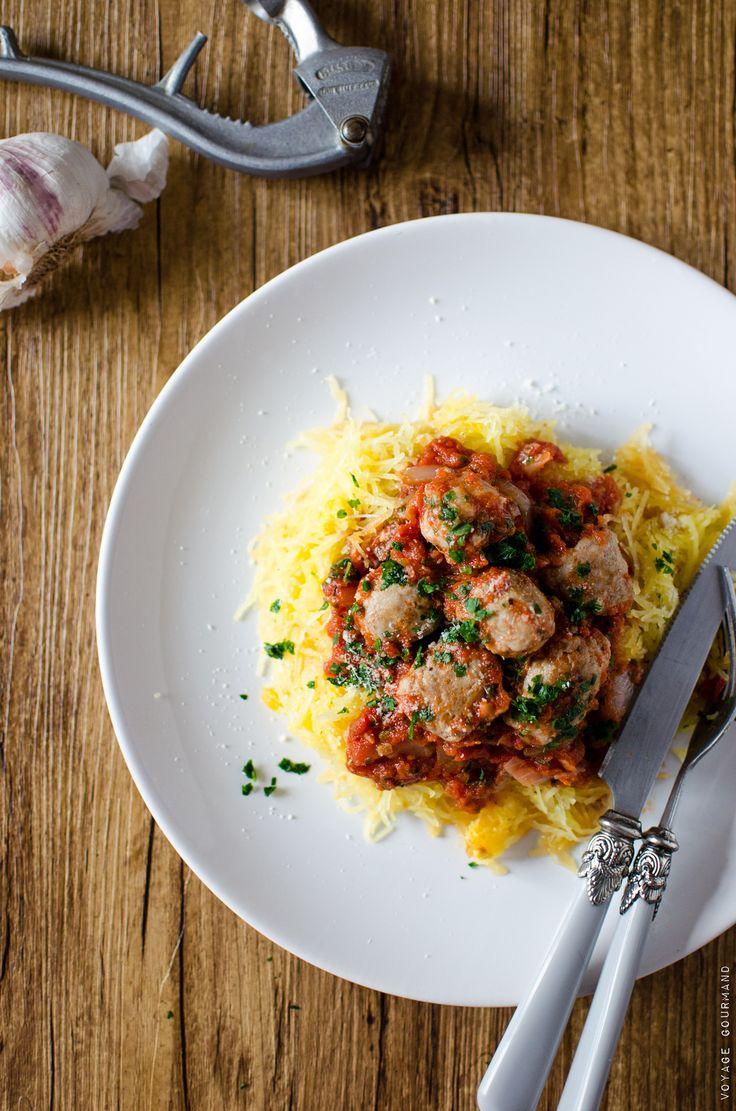 Courge spaghetti et saucisse à la sauce tomate                                                                                                                                                     Plus