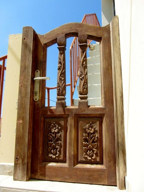 Casa di Olympos. #karpathos #Olympos #Colors #Greece #windows #gate