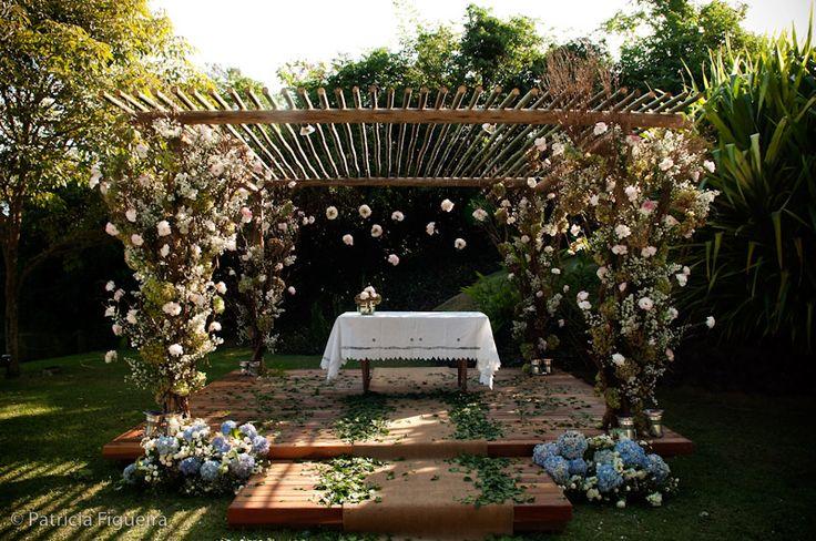 Decore o altar do casamento com criatividade