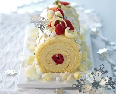 Stunning White Yule Log for Your Christmas Table: White Chocolate Yule Log