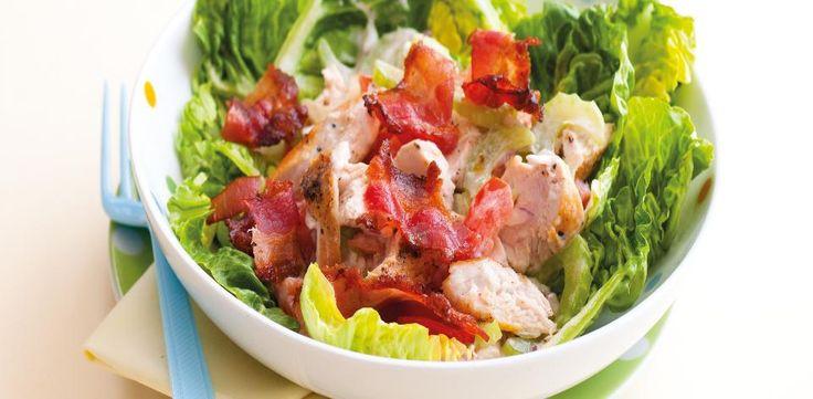 Vyzkoušejte náš recept na zeleninový salát s kuřecím masem, slaninou a s jogurtovo majonézovým dresinkem.  1) Troubu předehřejte na 200 °C.   2)...
