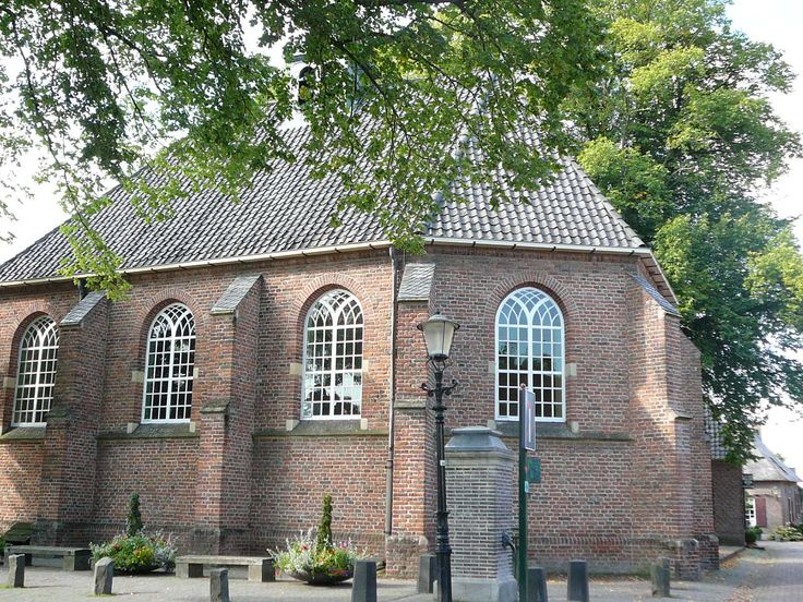 Bronckhorst, de kleinste stad van Nederland.