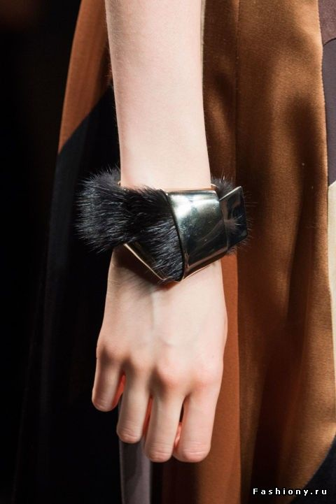 50 трендовых аксессуаров с Milan Fashion Week 2015