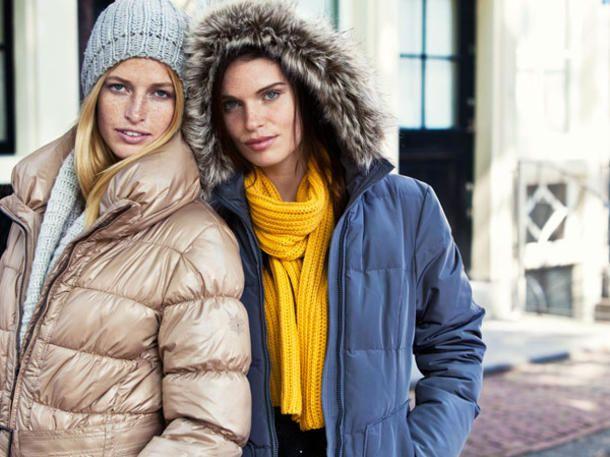Wie Sie auch bei Minusgraden modisch und finanziell glänzen können? Mit diesen 20 hübschen Anoraks, Jacken und Mänteln unter 150 Euro.