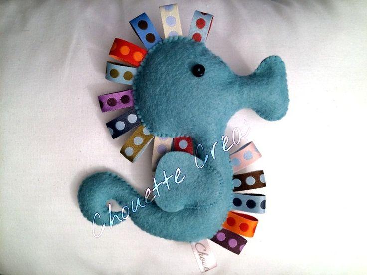 Hippocampe en feutrine & rubans Bleu d'eau : Chambre d'enfant, de bébé par chouettes-crea