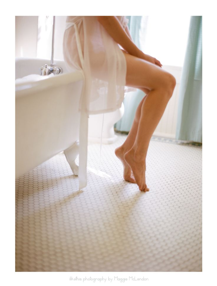 Beauty boudoir claw foot bathtub legs toes lingerie bridal pastel sheer contax645 kodak portra film photography