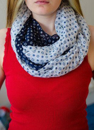 Kupuj mé předměty na #vinted http://www.vinted.cz/doplnky/velke-satky/15831392-dva-satky-modro-bile-barvy-dlouhe-bez-konce-na-dve-obtoceni