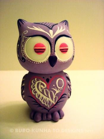 Ack! It's a day of the dead owl! I want! Too bad it's sold. :(