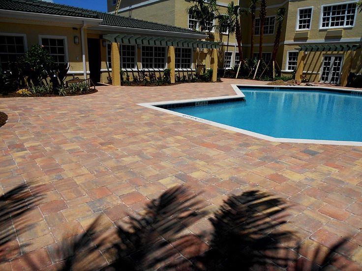 1000 images about pool deck on pinterest parks luxury for Florida pool and deck