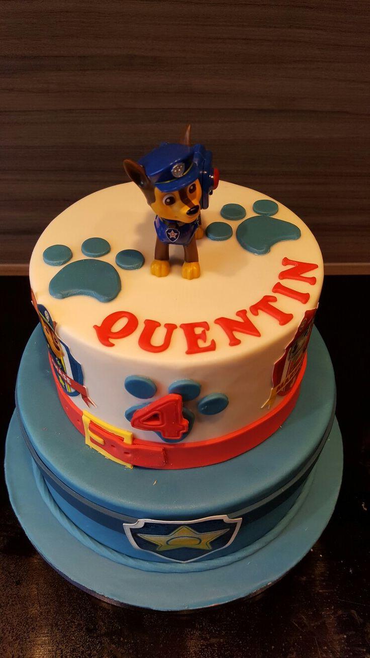 Quetin viert zijn 4de verjaardag.  Gevuld met merengue crème met melk chocolade.