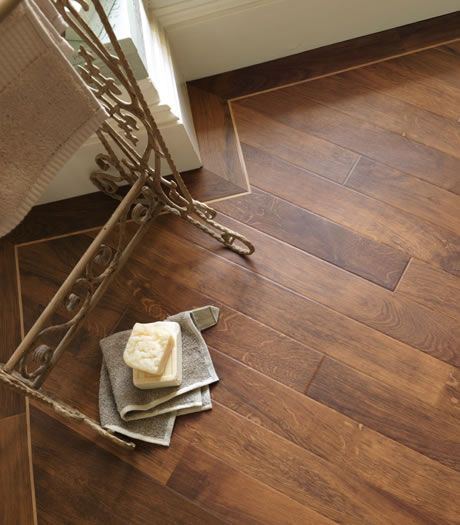 Karndean Da Vinci Arno Smoked Oak RP92 Vinyl Flooring Love the diagonal lay and the border but perhaps the strip is to pale\wood too dark contrast