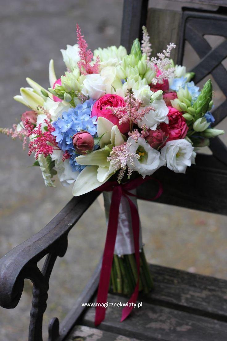 Astilbe, niebieska hortensja, angielska róża, lilia, Ornithogalum; niebieski, fuksja, krem