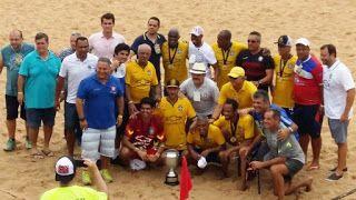 Blog Esportivo do Suíço: Júnior, Cláudio Adão e cia. vencem 1° Desafio dos Reis de futebol de areia