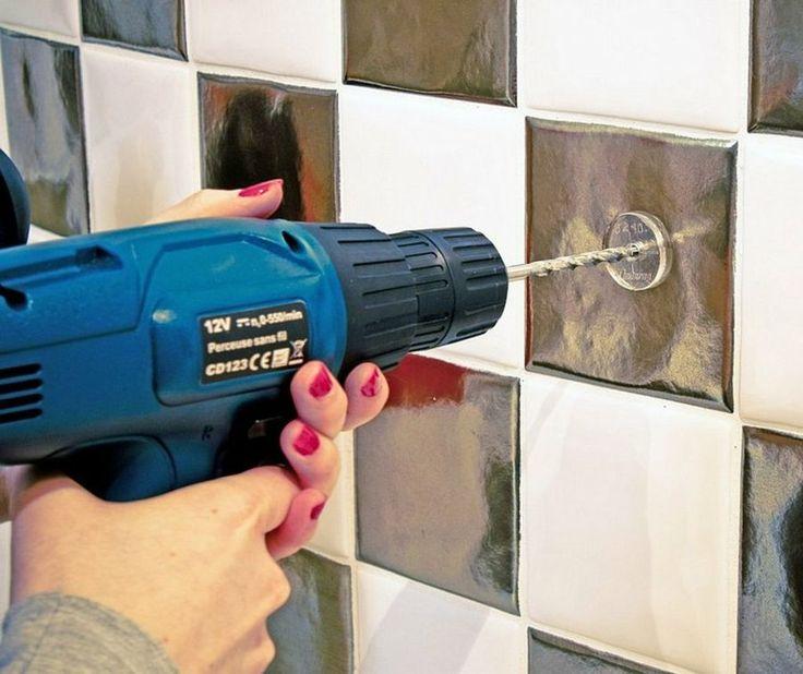 Muchas personas temen taladrar en la cocina o el baño por miedo a dañar el azulejos. Si sois una de ellas, aquí encontraréis las claves para hacerlo.