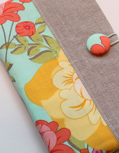 Fabric Portfolio and Notepad Holder Tutorial - The Cottage Mama