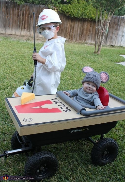 Tiffany: Our costume theme this year stemmed from wanting a way to incorporate the baby and not having to carry him all night. We knew we wanted to incorporate the stroller...