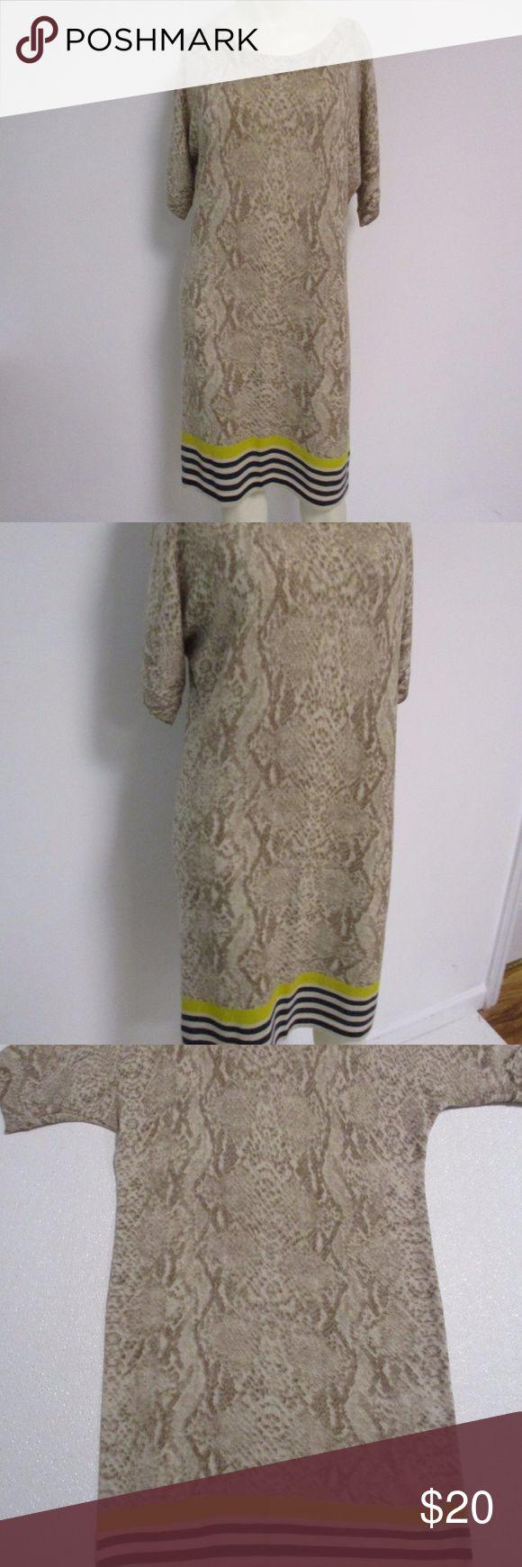 "Ann Taylor Loft Snake Stripe Wool Dress Medium Cute dress for fall from Ann Taylor Loft Size medium 100% wool Snake print with black, yellow and tan stripe at the hem Very good condition Bust- 17-20"" laid flat Waist- 35"" Hips- 40-42"" Length-37"" Ann Taylor Loft Dresses"