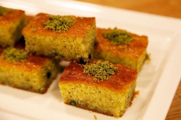 Fıstıklı Revani - Revani with Pistachios
