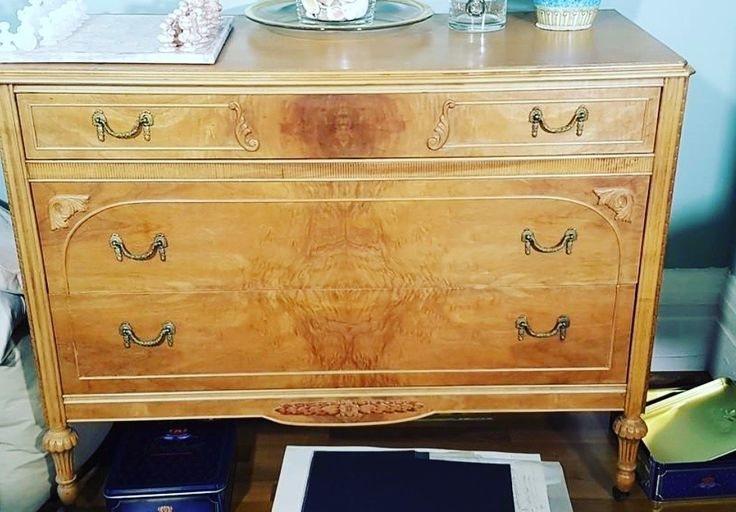 Stunning antique sideboard. Bid today! https://auction.blackpearlemporium.ca/m/#/auctions #collingwood #shoplocal #furniture #onlineauction #qualityfurniture #accentpiece