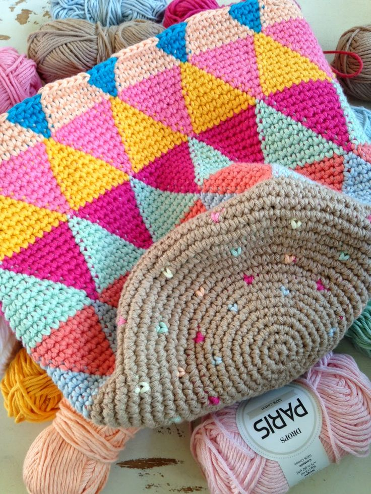 Crochet tapestry bag
