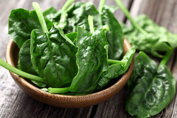 Spinach Nutrition, Health Benefits & Recipes by @draxe