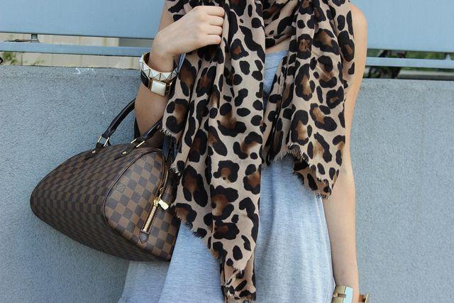Adorable Louis Vuitton bag more a little bit of animal print so fashion!!