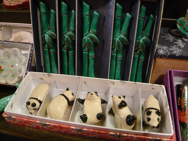 panda & bamboo hashi oki
