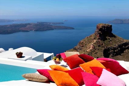 "Trésor Hotels and Resorts_Luxury Boutique Hotels_ Welcome to #Astra# Suites, in #Santorini, a ""paradise on Earth"". Take advantage of our #Easter# offer and book your stay now, from 3rd to 6th May, here: bit.ly/Z37rTf"