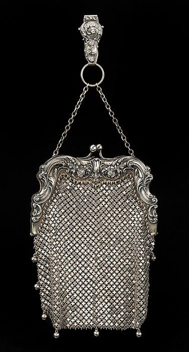 Art Nouveau evening bag.  My grandmother used to have a bag like this, and I would play dress-up with it.  Have no idea what happened to it after she passed away.