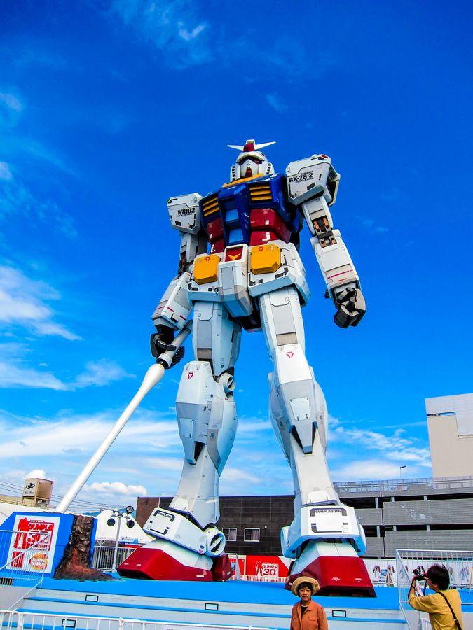 静岡ガンダム. only in Japan do get to see awesome giant robots.