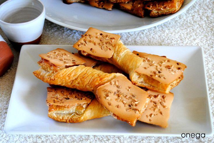 Este dulce de hojaldre es típico de Unquera, pequeña localidad al este de Cantabria, fronteriza con Asturias. Las corbatas de Unquera son muy apreciadas en la zona como una muestra de la gastronomí…