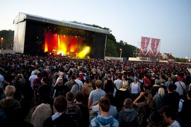 Фестиваль альтернативной музыки Dour, середина июля, Дур. Музыкальные фестивали